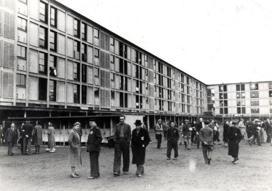 Judíos encerrados en el campo de concentración de Drancy, Francia