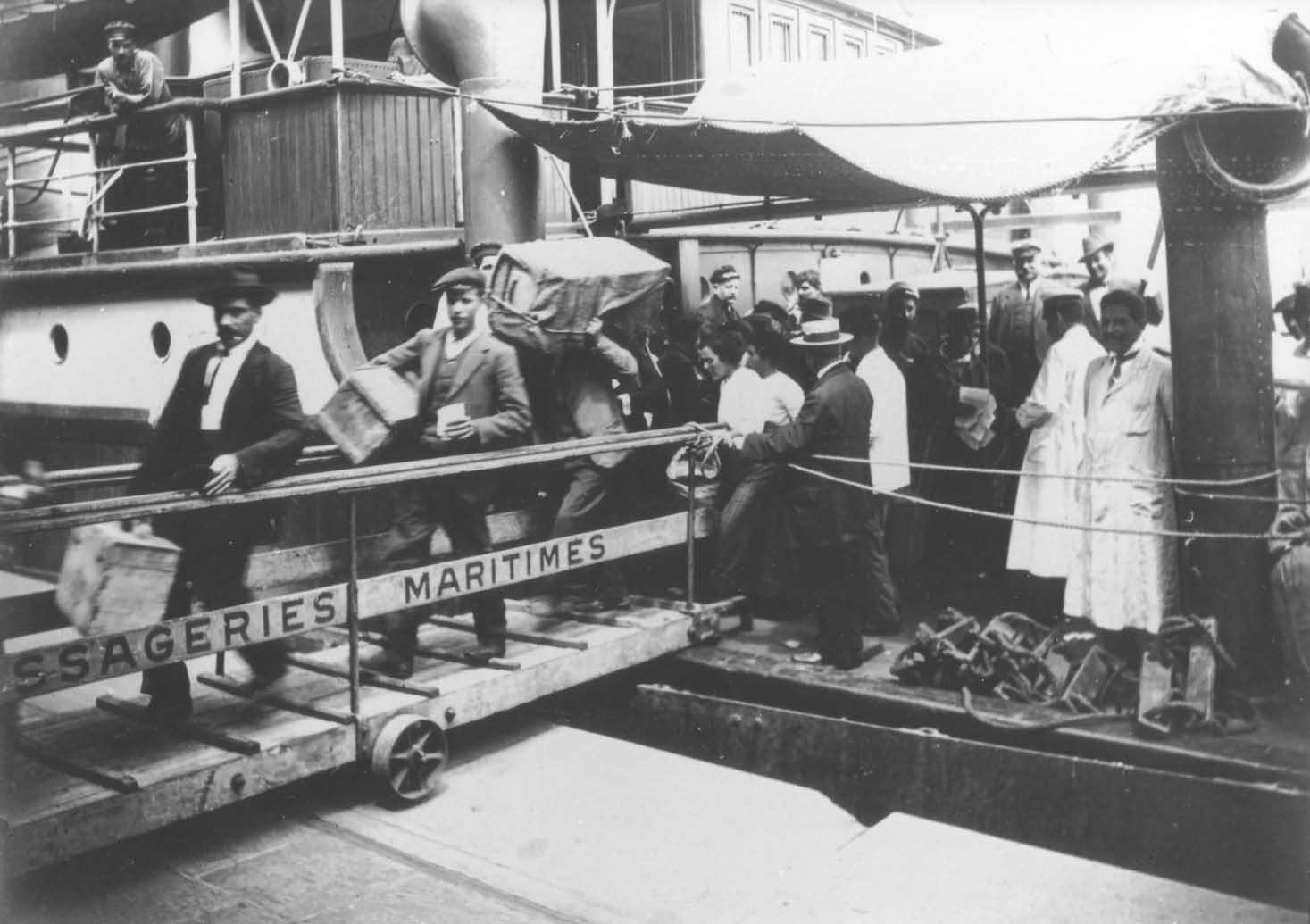 Barco de emigrantes judíos